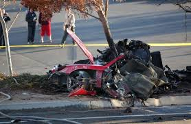 Paul Walker   Porsche Carrera GT crash scene6